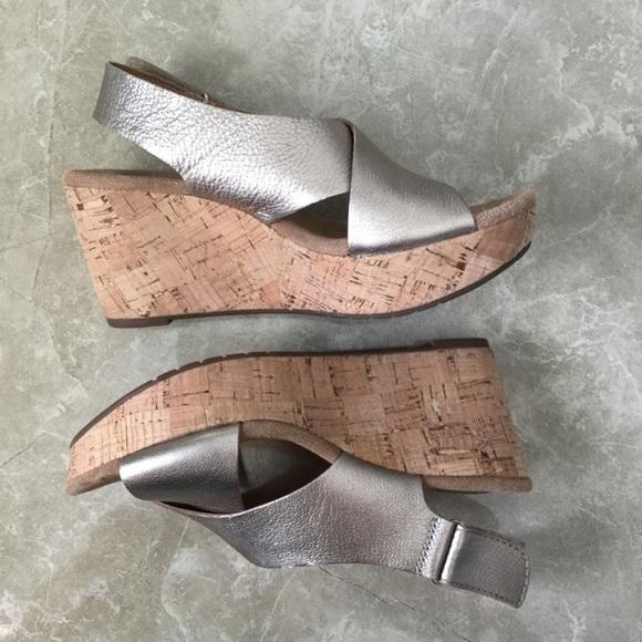 bc05ec2dd50 Clarks Shoes - Clarks Annadel Eirwyn Gold Leather Wedge Sandals-7